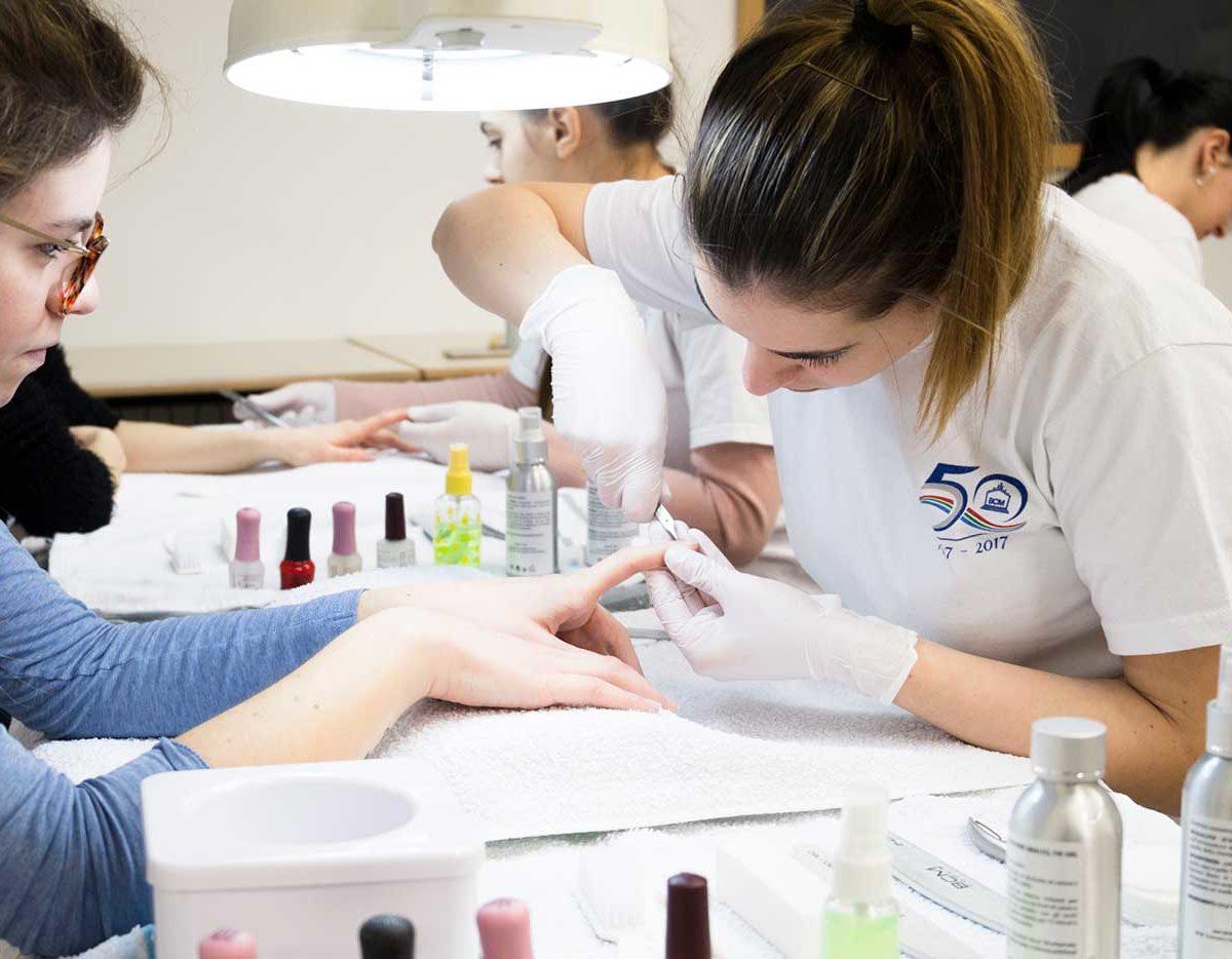 Scuola BCM-estetica-nail art
